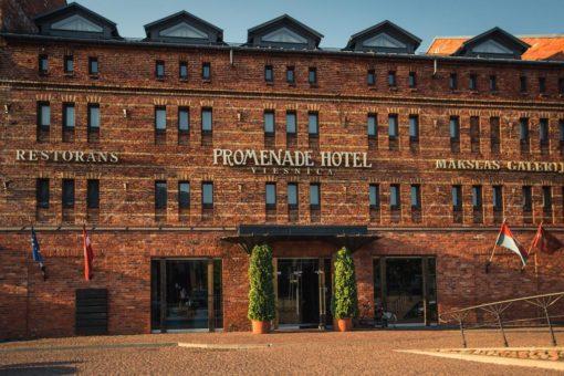 Pieczvaigžņu dizaina viesnīca Promenade Hotel