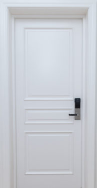 Ugunsdrošās un skaņu izolējošās durvis vēsturiskiem, klasiskiem interjeriem